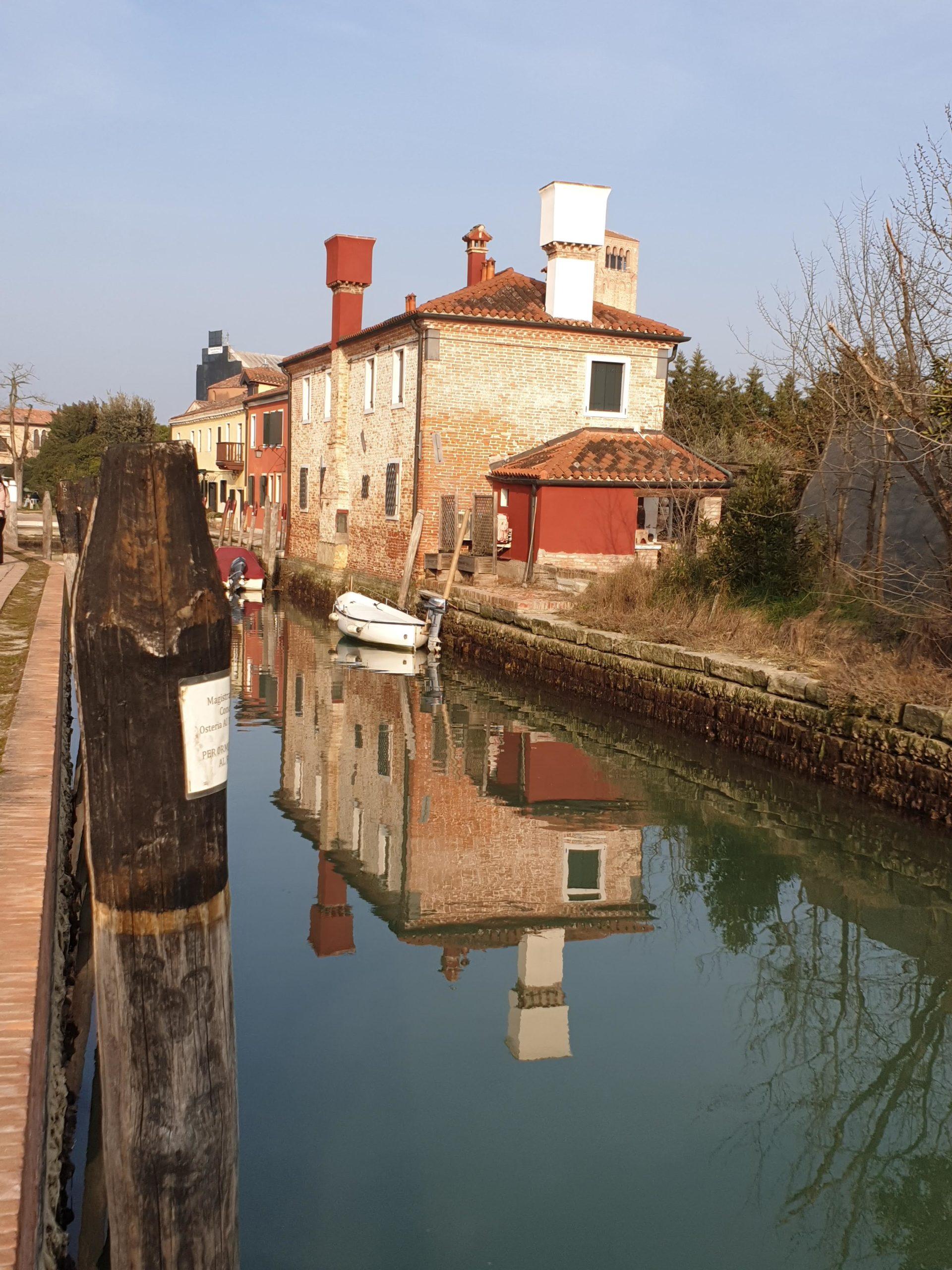 torcello-island-venecia-reflexion